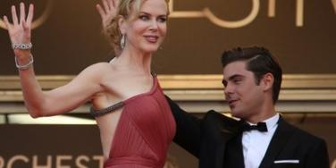Nicole Kidman and Zac Efron at a premiere of 'The Paperboy'