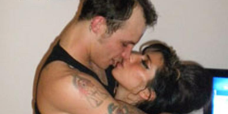 Amy Winehouse Kissing Blake