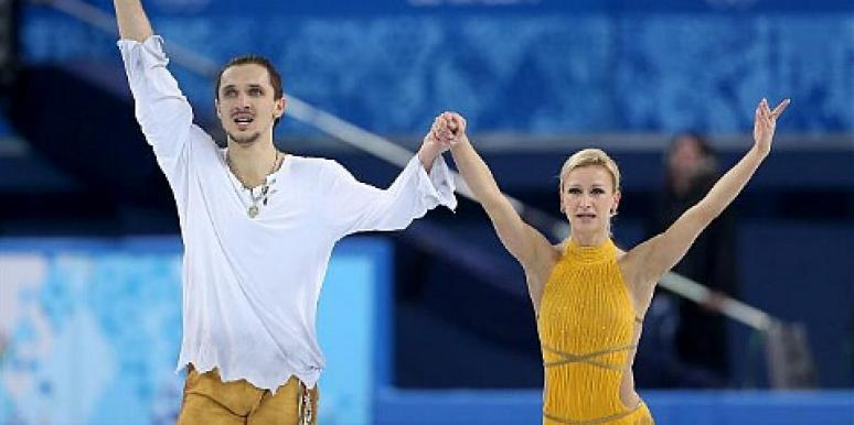 8 Olympic Ice Skating Pairs Who Are Couples in Real Life