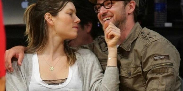 Justin Timberlake Put A (Huge!) Ring On Jessica Biel's Finger