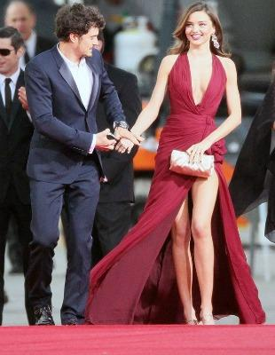"<a href=""http://www.mirror.co.uk/3am/celebrity-news/miranda-kerr-and-orlando-bloom-look-1533604"">mirror.co.uk</a>"