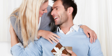 Relationship Coach: The Best Gifts To Give Your Wife