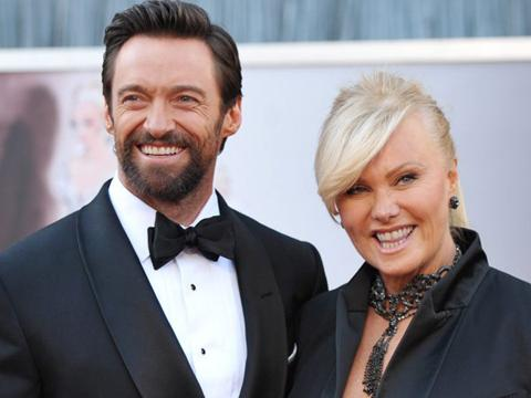 "<a href=""http://www.carteblanche-x.com/charlotte-ingrid/files/2013/02/hugh-jackman-deborra-lee-furness-oscars-2013.jpg""/>Hugh Jackman & Deborra Lee Furness</a>"