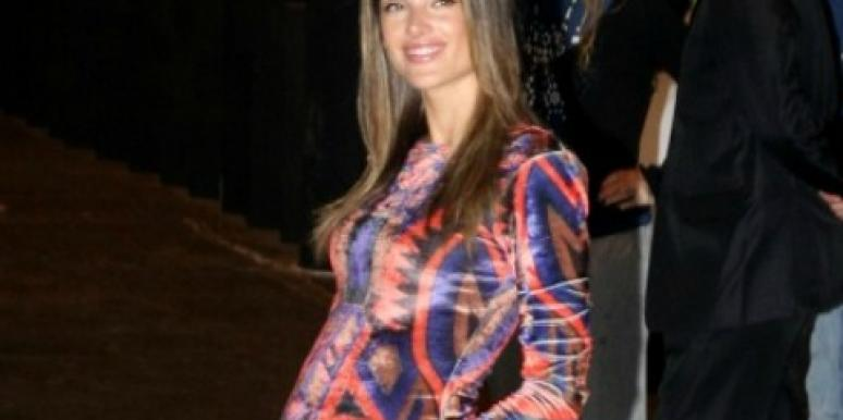 Alessandra Ambrosio Hits The Runway At 5 Months Pregnant!
