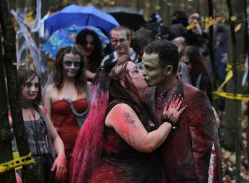 "<a href=""http://blogs.windsorstar.com/2012/10/23/its-a-nice-day-for-a-zombie-wedding/"">blogs.windsorstar.com</a>"