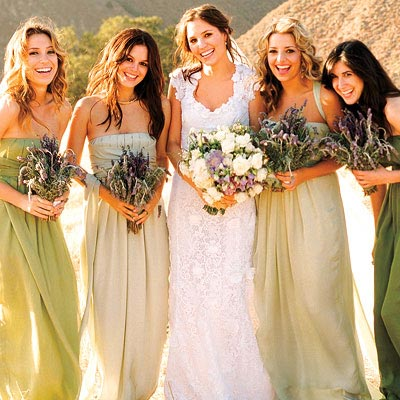 "<a href=""http://www.peppermintbliss.com/2010/02/wedding-wednesday-our-bridesmaids-preview/"">peppermintbliss.com</a>"