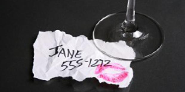 phone-number-with-lipstick