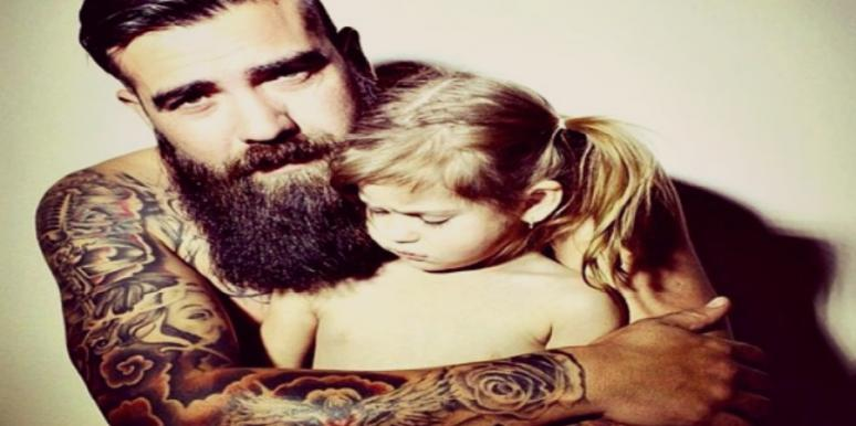 18 Hot Dad Selfies