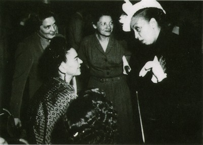 "<a href=""http://www.cocoafly.com/2013/02/frida-kahlo-and-josephine-baker.html"" target=""_blank"">cocoafly.com</a>"