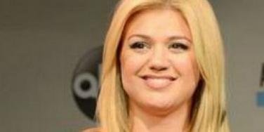 Love: Kelly Clarkson's Husband Responds To Cheating Rumors