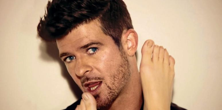 Robin Thicke in the Blurred Lines video