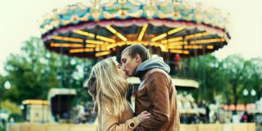 6 Ways To Get Off A Commitment-Phobe's Merry-Go-Round