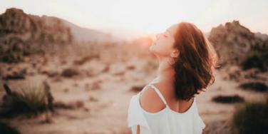 6 Ways To Trust Your Gut Feeling And Kiss Stress Goodbye