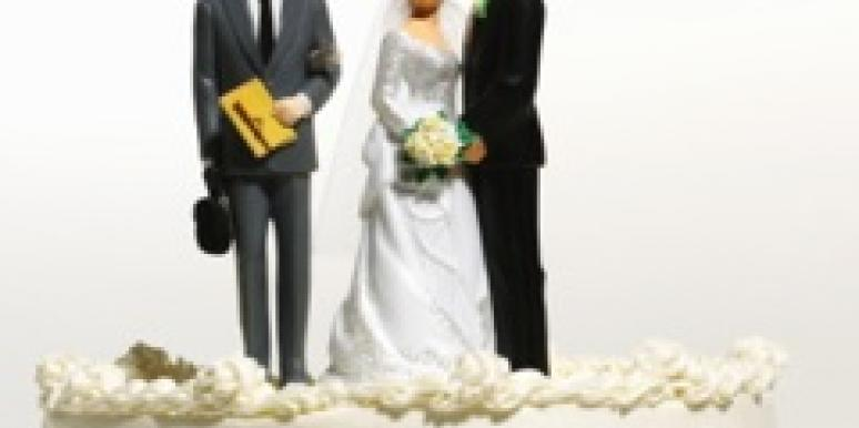 wedding cake bride groom man cheating