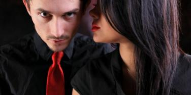 10 Clues To Tell If He Is Cheating [EXPERT]