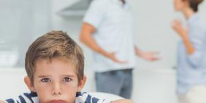 kid listening to parents fighting