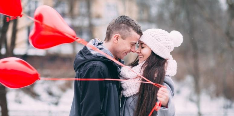 3 Signs A STRONG Woman Is Falling In Love With You