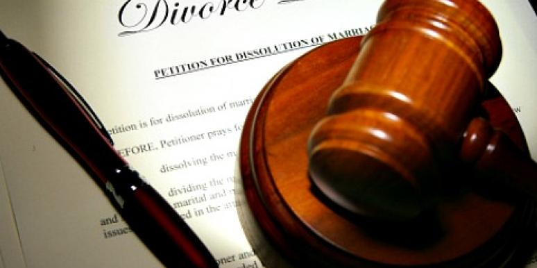 9 Steps To Ease The Pain Of Divorce [EXPERT]