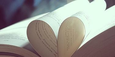 Romantic Gifts: The Best Books For Any Love Stage