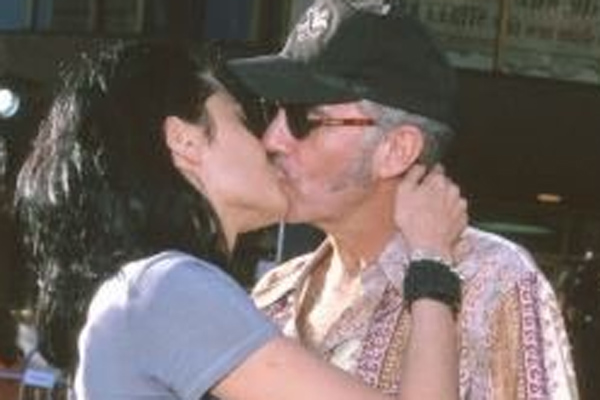 billy bob thornton and angelina jolie relationship father