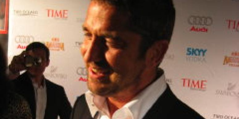 Gerard Butler Dines With Jenny Aniston