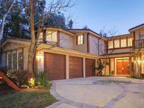 Sarah Michelle Gellar & Freddie Prinze, Jr.'s mansion