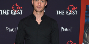 New Love? Alexander Skarsgard Kisses Ellen Page: See The Photo!