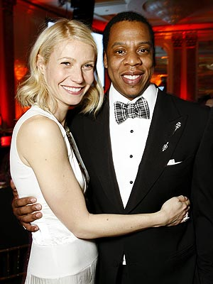 "<a href=""http://necolebitchie.com/2012/06/06/the-dream-and-russell-simmons-defend-gwyneth-paltrow-after-she-tweets-the-n-word/"">necolebitchie.com</a>"