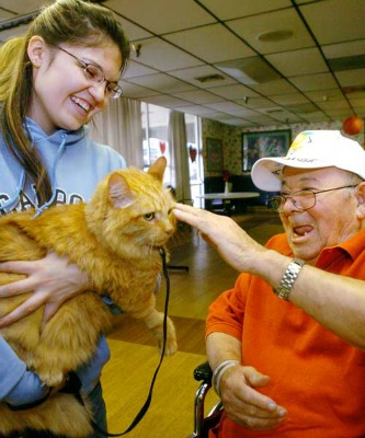 """<a href=""""http://www.yeepet.com/blogs/Pet-Good-for-Humans%252C-Good-for-Animals%253A-Pet-Therapy-is-Win-Win-1803"""">yeepet.com</a>"""