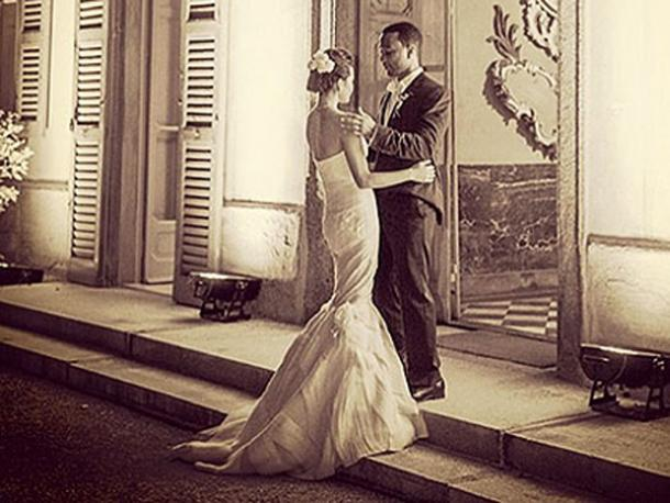 "<a href=""http://img2.timeinc.net/people/i/2014/gallery/italian-wedding/john-legend-495.jpg""/>Chrissy Teigen & John Legend</a>"