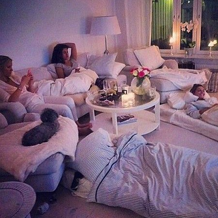 girls friends sleepover party