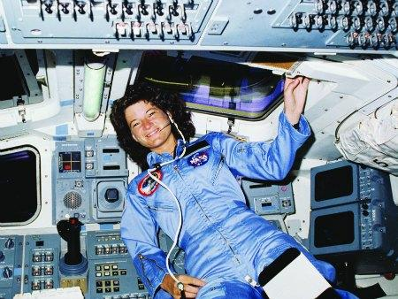"<a href=""http://www.spacenews.com/article/civil-space/36648garver-show-women-value-of-science-careers-to-boost-ranks-at-nasa"">spacenews.com</a>"