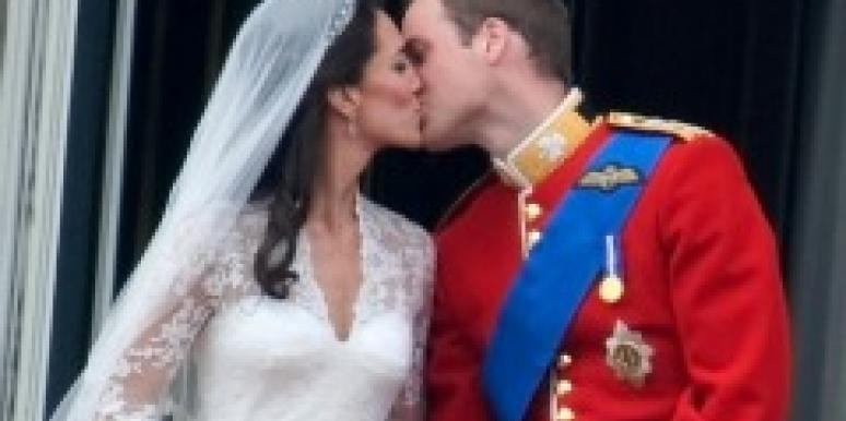 William and Kate royal wedding kiss