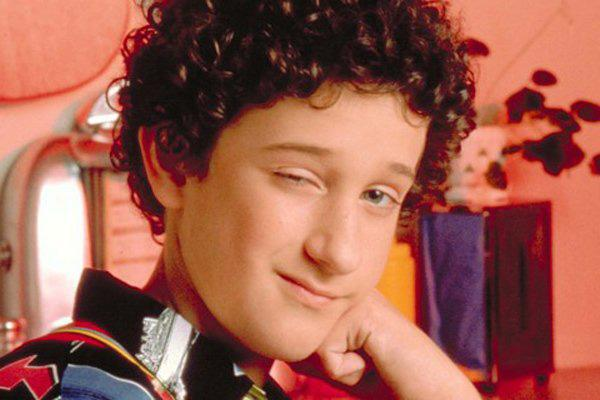 dustin diamond stabs and 19 more saved by the bell