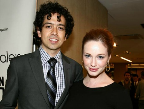 "<a href=""http://www.nydailynews.com/entertainment/gossip/mad-men-star-christina-hendricks-marries-geoffrey-arend-new-york-article-1.165166#axzz2ePK7RYv8"">nydailynews.com</a>"