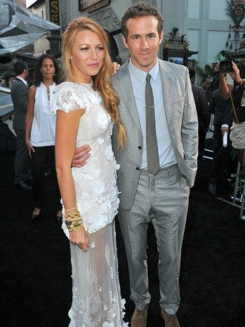 "<a href=""http://www.hollywoodreporter.com/fash-track/blake-lively-ryan-reynolds-wedding-notebook-photos-369643"">hollywoodreporter.com</a>"