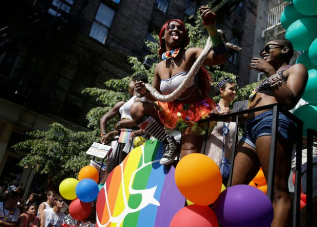 "<a href="" http://jezebel.com/scenes-from-pride-celebrations-around-the-world-1597746050"" target=""_blank"">Jezebel.com</a>"