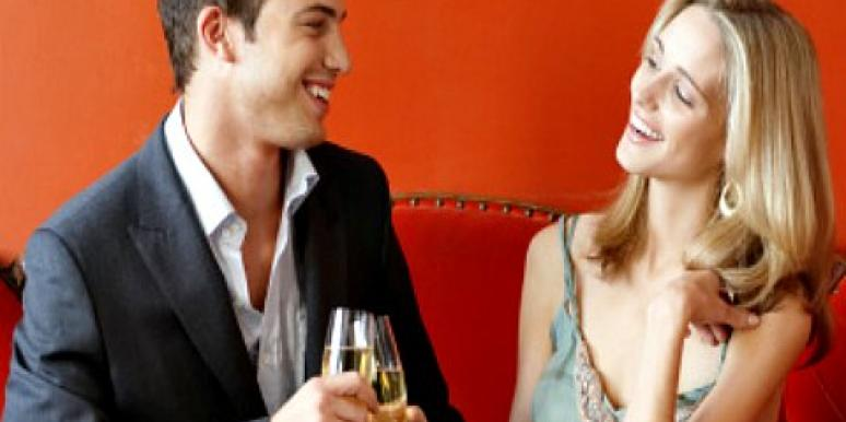 Flirting With Strangers: 3 Ways To Break The Ice [EXPERT]