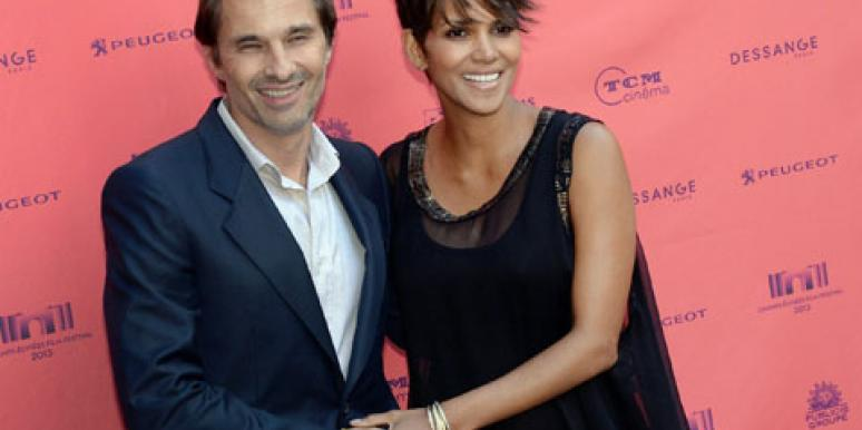 Love: Halle Berry & Olivier Martinez Sneak In A Weekend Wedding?
