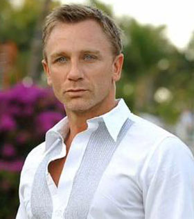 "<a href=""http://www.supanet.com/skyfall-premiere-daniel-craig-looked-hot-on-the-red-carpet-a8699.html""> supanet.com/</a>"