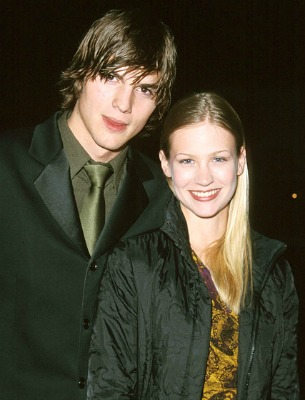 "<a href=""http://www.usmagazine.com/celebrity-news/pictures/ashton-kutchers-love-life-201222/20470"">7. Ashton Kutcher and January Jones</a>"