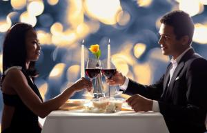 Dating Coach: What Topics Should You Avoid On The First Date?