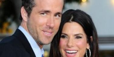 Sandra Bullock and Ryan Reynolds