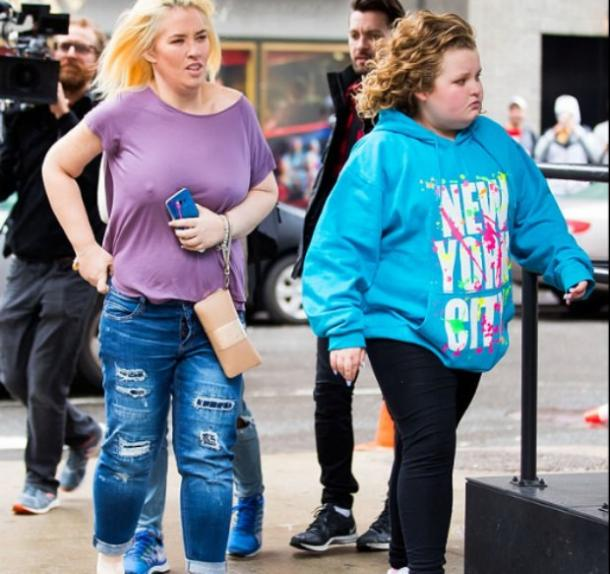 That Time Mama June Shannon Flashed Her Boobs at a Reporter