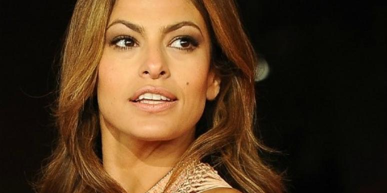 "Eva Mendes Won't Budge On Details About ""Dream"" Beau Ryan Gosling"