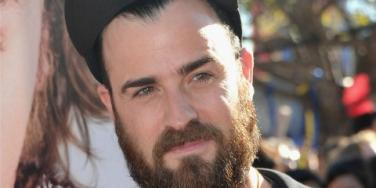 Justin Theroux beard and hat