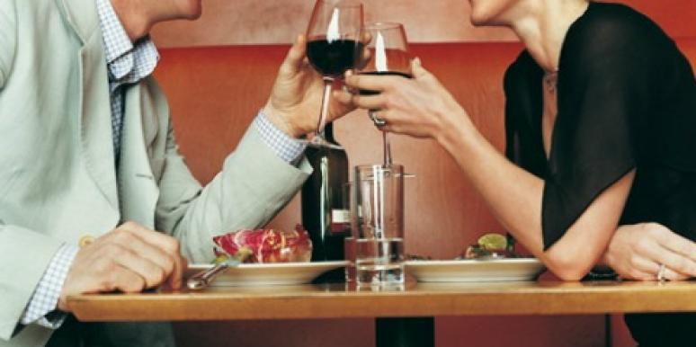 Relationship Advice for Women: Who Pays On A Date?
