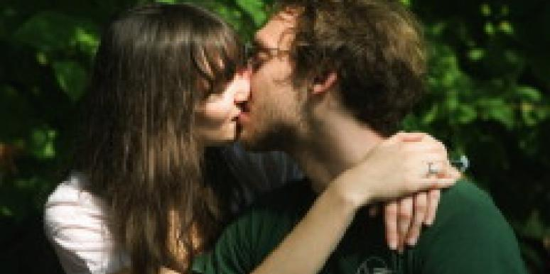 7 Best Stoner Dating Site Options ( Free to Try)