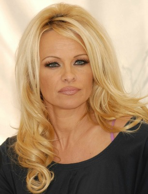 "<a href=""http://www.topnews.in/light/people/pamela-anderson"">topnews.in</a>"