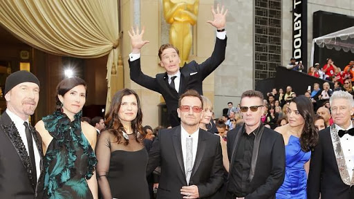 "<a href=""https://lh5.googleusercontent.com/-KrqPUUlmvYU/UxnRZgOpKCI/AAAAAAAAAJ0/kViMLflwmG4/benedict-cumberbatch-photo-bombing--644x362.jpg"" target=""_blank"">whattalking.com</a>"